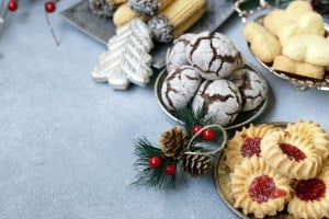 10 Ways to Avoid Holiday Binges and Bloats!